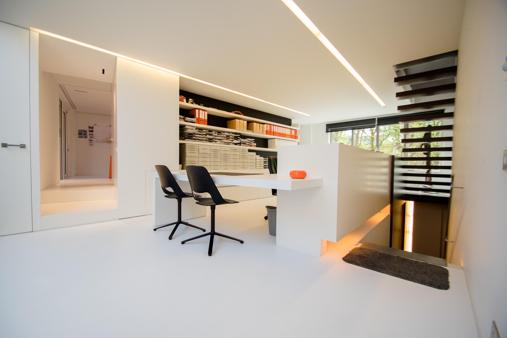 Gietvloer modern kantoor veurne stefaan holvoet kunstharsvloeren